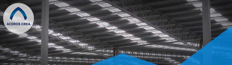 una lámina traslúcida en un edificio trae consigo beneficios inmediatos cubren a la perfección las medidas del techo.